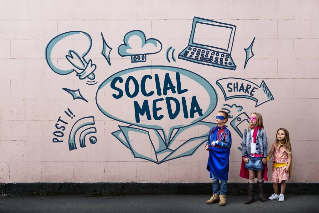 social media and our children In the last few years, we have seen an explosion of socal media and networkings sites like facebook, twitter and myspace etc especially, the children cher.